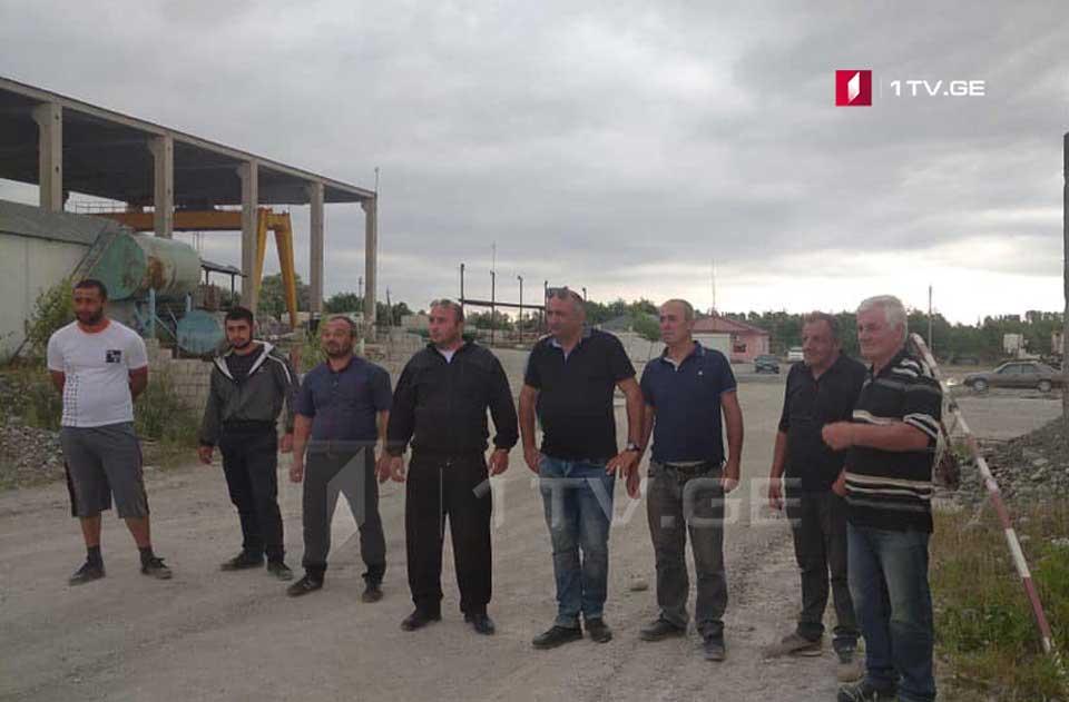 ავტობანის მშენებელი კომპანიის თანამშრომლები კუთვნილ ხელფასს ითხოვენ