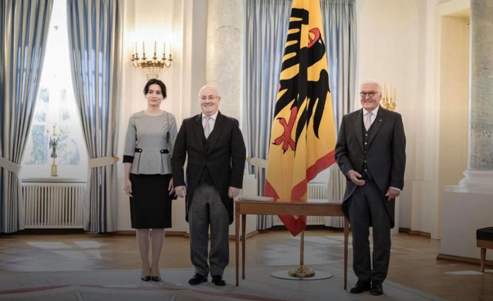 ლევან იზორიამ გერმანიის პრეზიდენტ ფრანკ-ვალტერ შტაინმაიერს რწმუნებათა სიგელები გადასცა