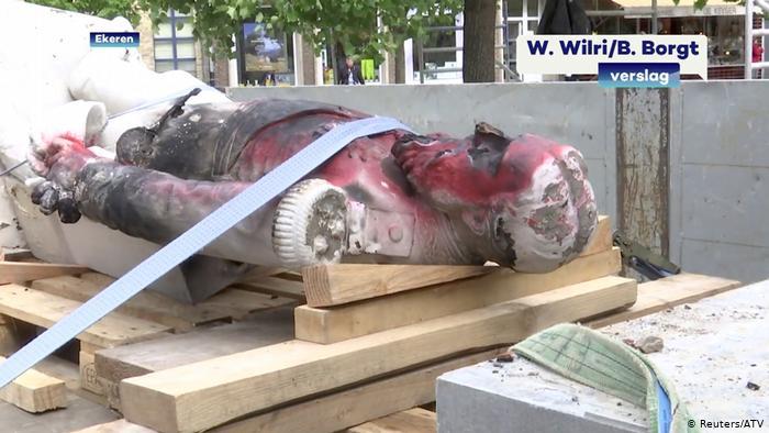 მეფე ლეოპოლდ მეორის ძეგლი, რომელიც ანტვერპენში რასიზმის საწინააღმდეგო აქციაზე დაწვეს, მუზეუმში განთავსდება