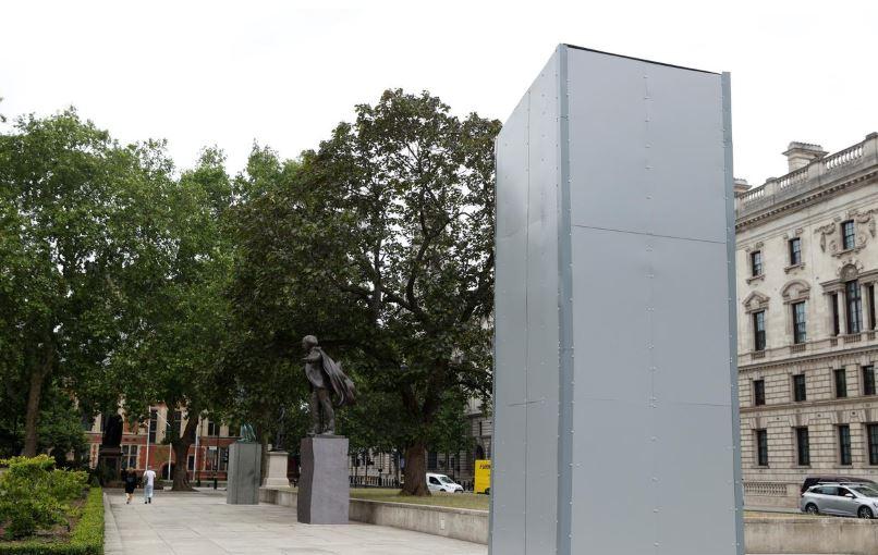 ბორის ჯონსონმა ლონდონში უინსტონ ჩერჩილის ძეგლის დაზიანების ფაქტს სამარცხვინო უწოდა
