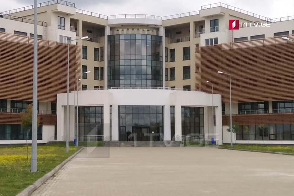 რუხის საავადმყოფოში ათი კოვიდინფიცირებული რჩება, რომელთაგან ერთი მცირეწლოვანია