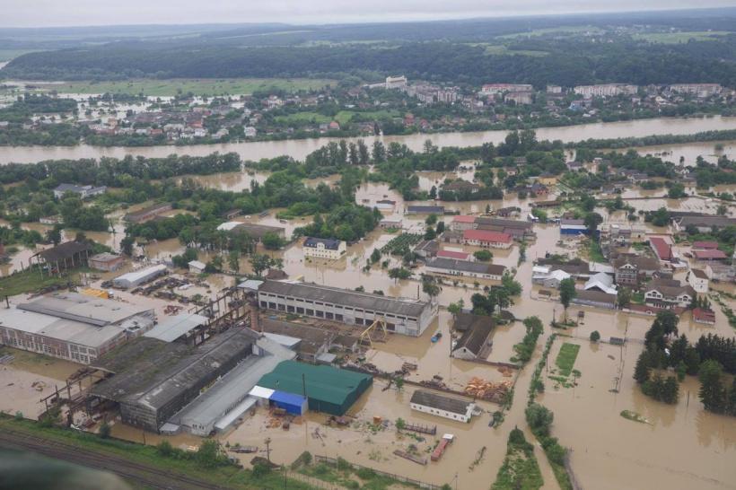 В украинском городе Галич затопило больницу, где лечат больных коронавирусом