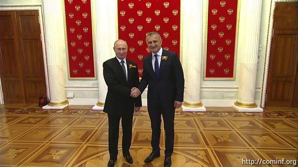 Владимир Путин принял Аслана Бжания и Анатолия Бибилова