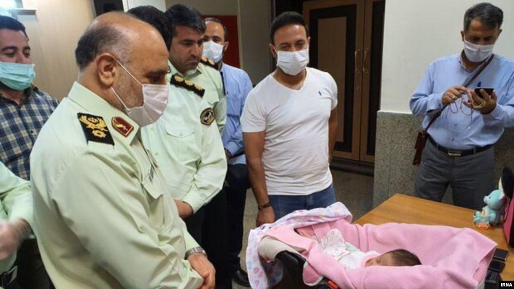 """ირანში სამი მამაკაცი დააკავეს, რომლებიც """"ინსტაგრამის"""" საშუალებით ბავშვებს ყიდდნენ"""