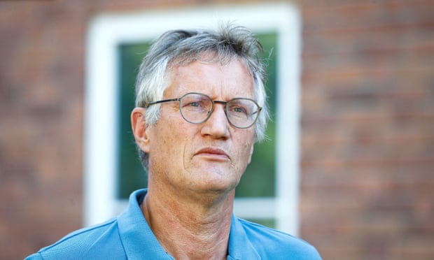 შვედეთის მთავარი ეპიდემიოლოგი კორონავირუსის გამო შეზღუდვების დაწესებას სიგიჟეს უწოდებს