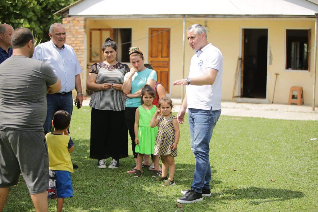 დევნილთა და ეკომიგრანტთა სააგენტოს ცნობით, იძულებით გადაადგილებული ოჯახებისთვის დამატებით 700 სახლს შეიძენენ