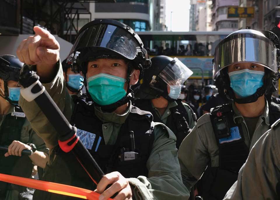 Honq Konqda, etiraz aksiyasında polis 53 insanı yaxaladı