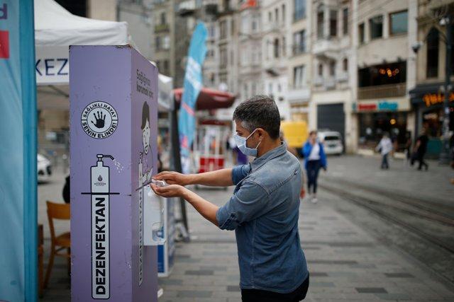 თურქეთში კორონავირუსის 1 293 ახალი შემთხვევა გამოვლინდა, გარდაიცვალა 16 პაციენტი