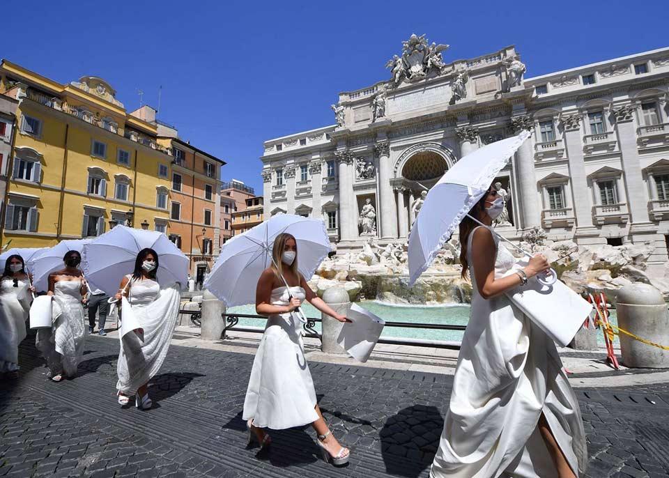 რომში პატარძლების საპროტესტო აქცია გაიმართა