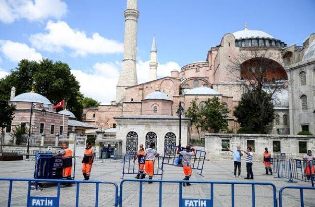 Высший административный суд Турции отменил решение об объявлении собора Святой Софии музеем