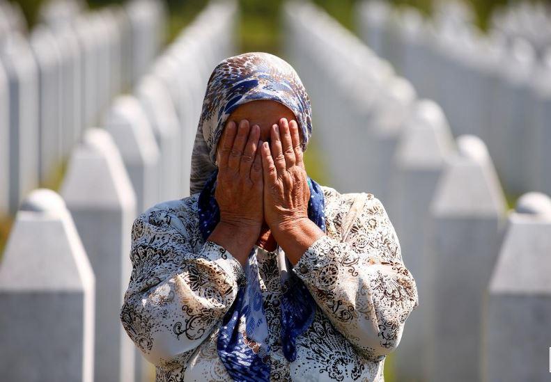 ბოსნია და ჰერცეგოვინაში სრებრენიცას ტრაგედიის 25-ე წლისთავსაღნიშნავენ