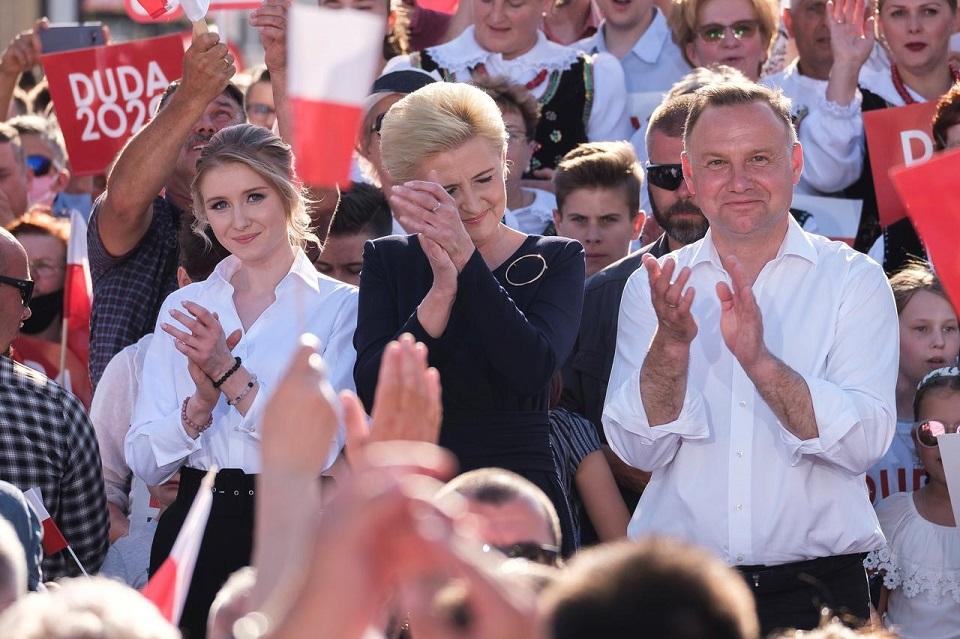 Լեհաստանում ընթանում է նախագահական ընտրությունների երկրորդ փուլը