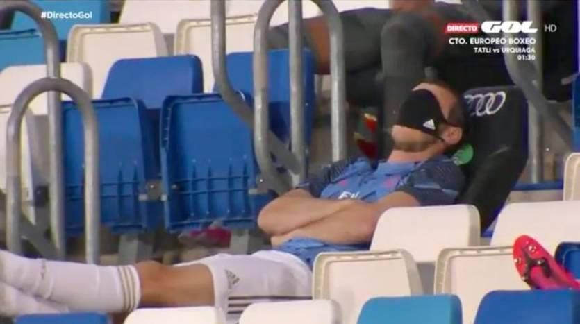 """გარეტ ბეილმა სათადარიგოთა სკამზე """"დაიძინა"""" (ვიდეო)"""