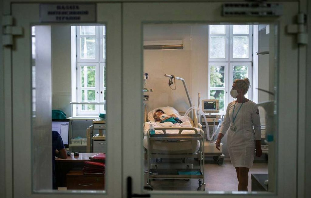 Russia reports record high of 21,983 new Covid-19 cases