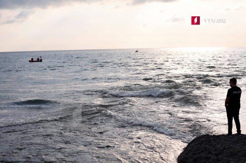ზღვაში დაკარგული ახალგაზრდა მაშველებმა გარდაცვლილი იპოვეს