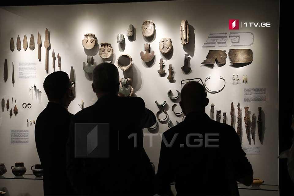 მუზეუმები და ბიბლიოთეკები მუშაობას დღეიდან განაახლებენ