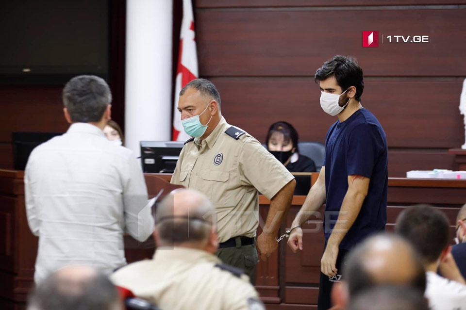 ადვოკატი- ირაკლი წაქაძემ იგულისხმა, რომ იძულებული იყო, ჩხუბში ჩართულიყო, თუმცა არ დაუკონკრეტებია, რას მოქმედებდა, ამას ვერ დავარქმევდი აღიარებას