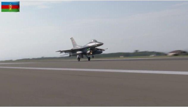 """თურქეთის """"ეფ 16""""-ის ტიპის თვითმფრინავები აზერბაიჯანში სამხედრო წვრთნებში ჩაერთნენ"""