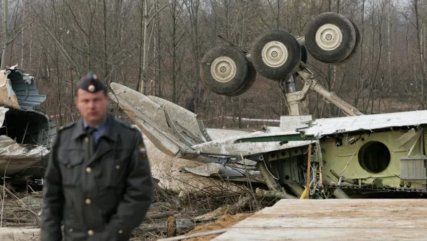 პოლონეთის საგამოძიებო კომისიის ინფორმაციით, ლეხ კაჩინსკის თვითმფრინავში ტროტილი რუსეთში ჩატარებული რემონტის დროს განათავსეს