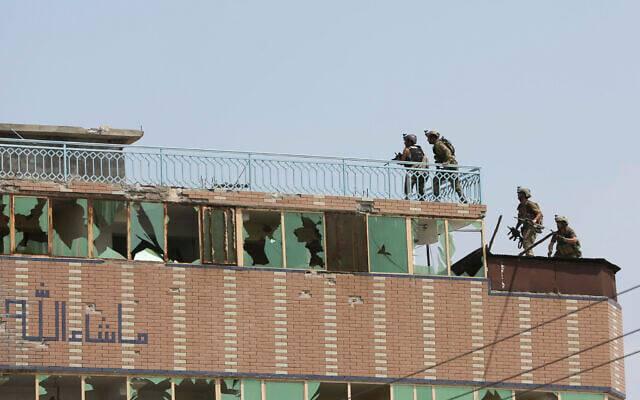 """Əfqanıstanın Cəlilabad şəhərində """"İslam Dövlətinin"""" hücumu nəticəsində 29 insan həlak oldu"""