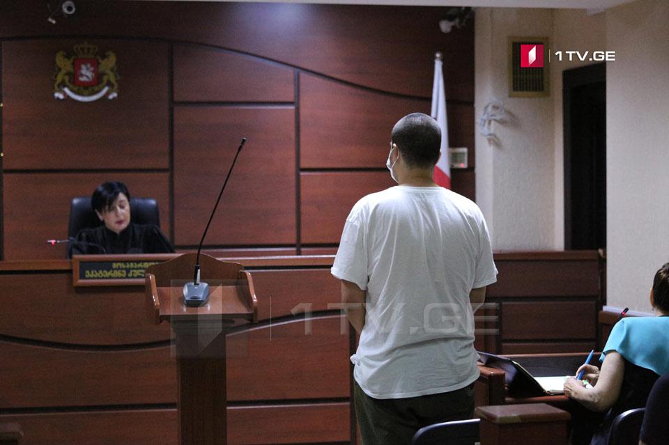 საქალაქო სასამართლოში ბუსა ჟვანიასთვის აღკვეთის ღონისძიების შეფარდებაზე მსჯელობენ