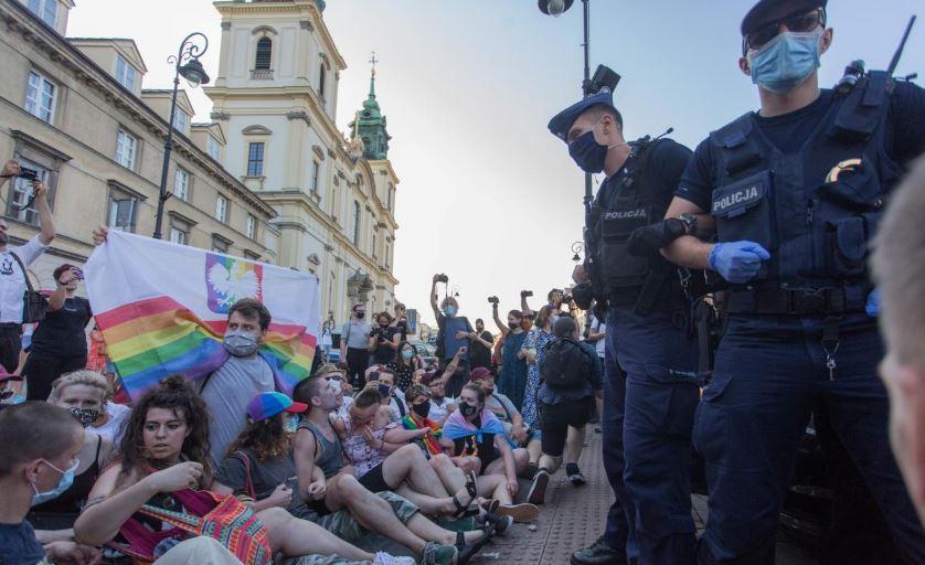 პოლონეთში პოლიციამ ლგბტ აქციის შემდეგ 48 ადამიანი დააკავა