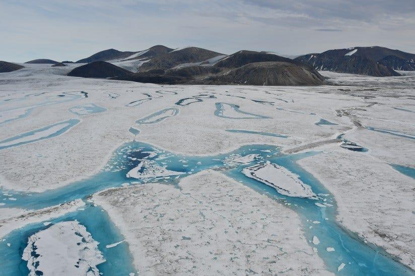 კანადის ბოლო ხელუხლებელი შელფური მყინვარი დათბობის გამო კოლაფსირდა — #1tvმეცნიერება