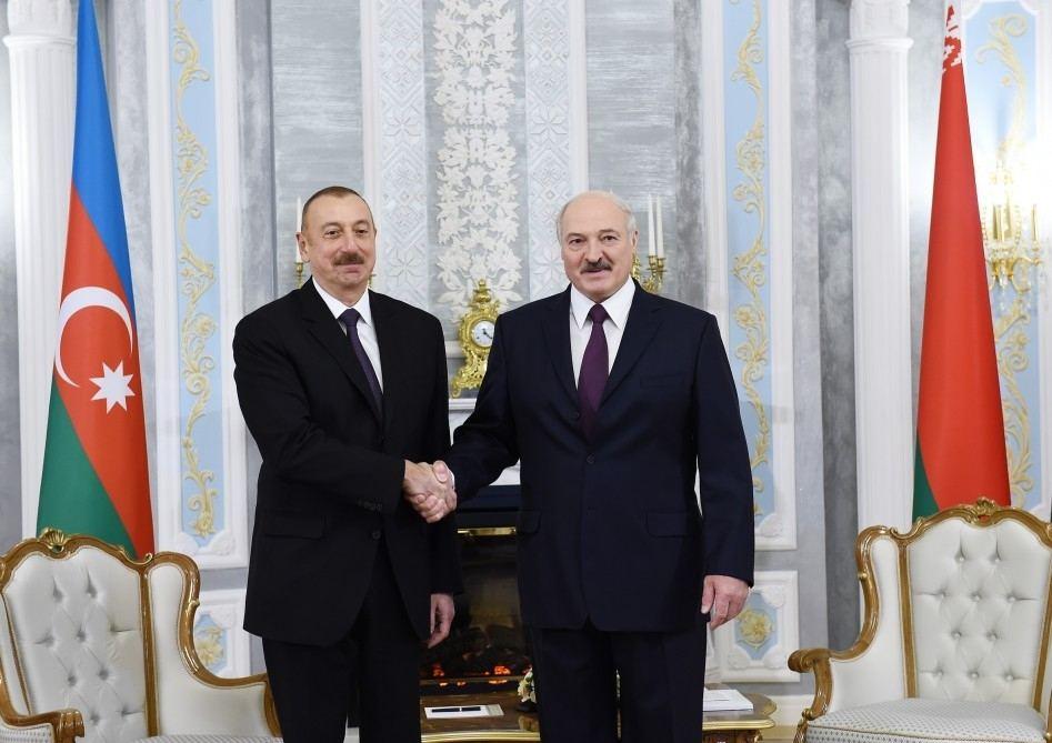 Azərbaycan prezidenti Aleksandr Lukşenkonu seçkilərdə qələbəsi münasibətilə təbrik etdi
