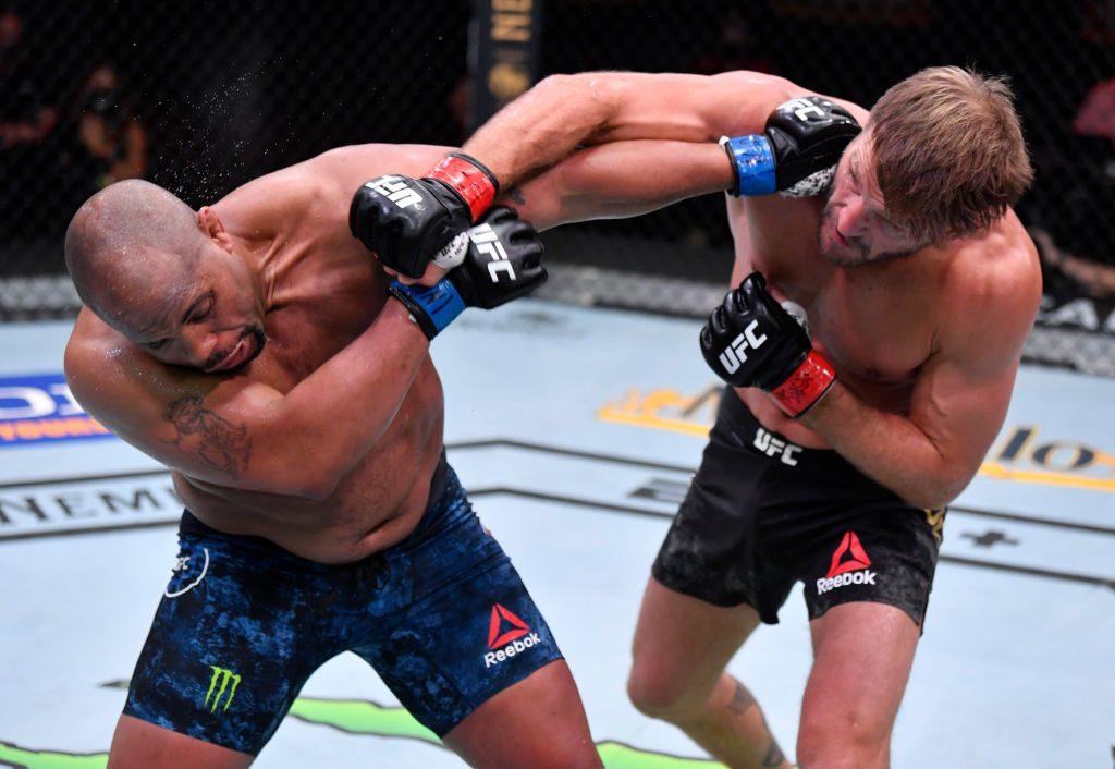 ტრილოგია დასრულდა - მიოჩიჩმა ქამარი დაიცვა, კორმიე ღირსეულად წავიდა | UFC 252