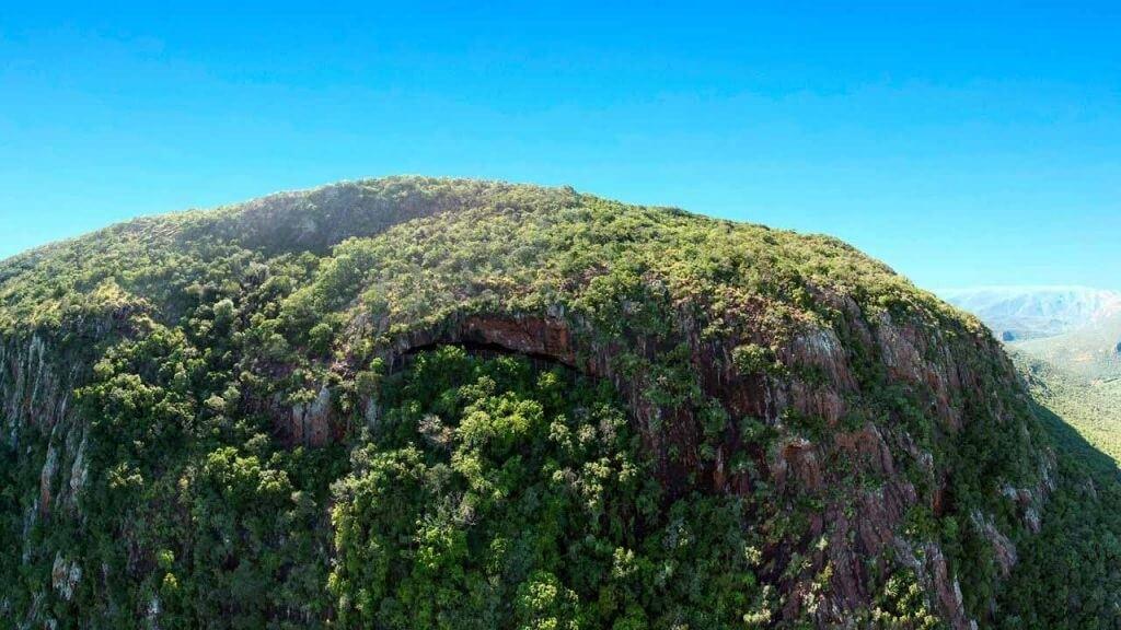 სამხრეთ აფრიკის ერთ-ერთ მღვიმეში ადამიანთა წინაპრების 200 000 წლის წინანდელი საწოლები აღმოაჩინეს — #1tvმეცნიერება