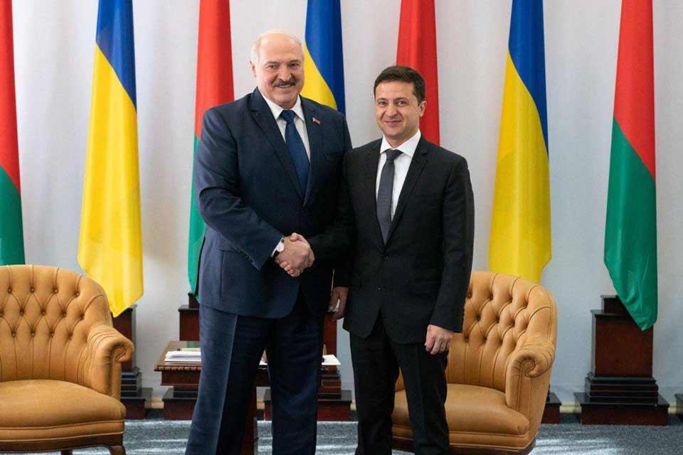 Vladimir Zelenski Aleksandr Lukaşenkoya təkrar prezident seçkilərinin keçirilməsini məsləhət görür