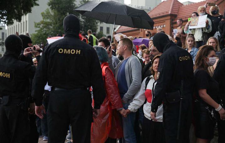 მინსკში სამართალდამცველებმა ანტისამთავრობო აქციის მონაწილეები დააკავეს