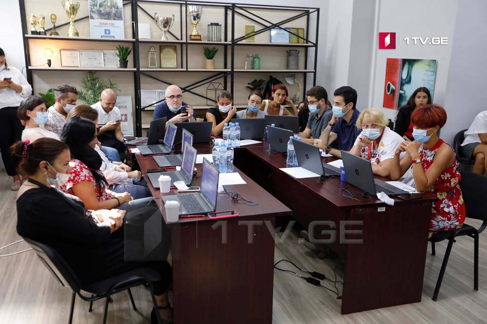 Jonathan Stoneman conducts training for journalists of Georgian Public Broadcaster [Photos]