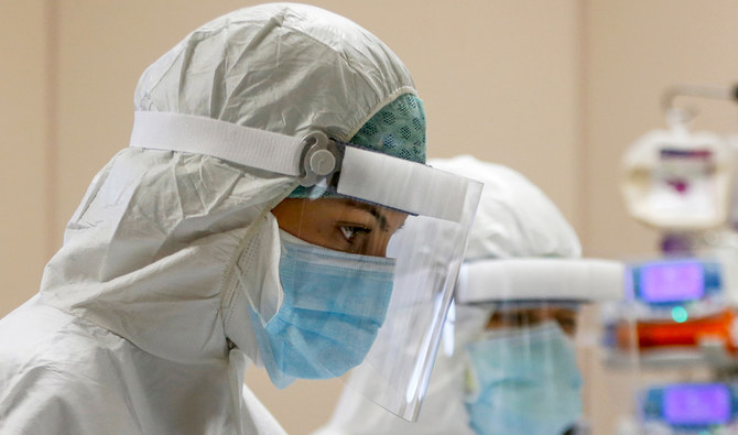 В России за последние сутки от коронавируса скончался 121 человек