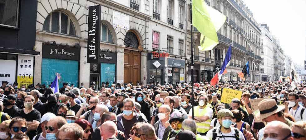 პარიზში ყვითელჟილეტიანების აქციაზე 250-ზე მეტი ადამიანი დააკავეს