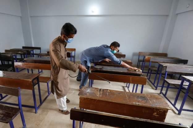გაუმჯობესებული ეპიდვითარების ფონზე, პაკისტანში უნივერსიტეტები და სკოლები გაიხსნება
