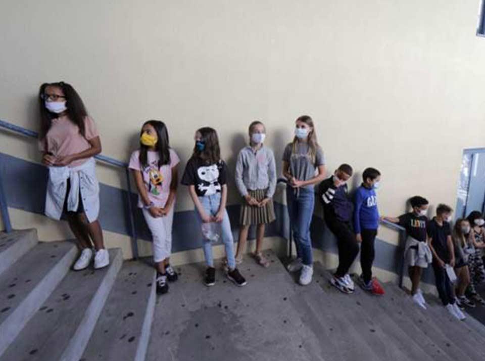 """საფრანგეთში """"კოვიდ-19""""-ის ახალი შემთხვევების ზრდის გამო 81 სკოლა დაიხურა"""