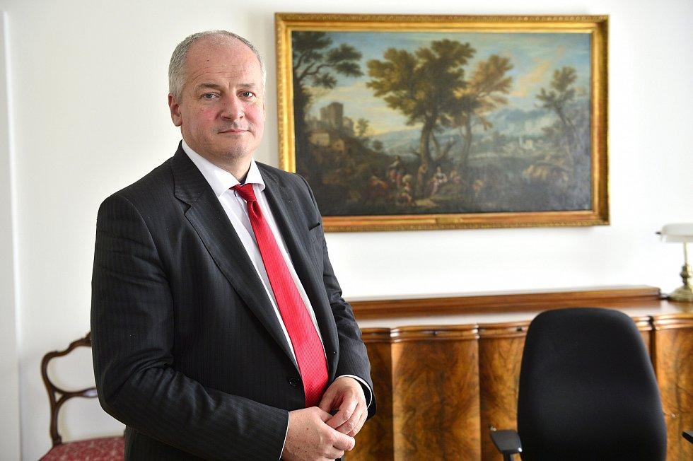 ჩეხეთის პრემიერ-მინისტრმა ქვეყნის წამყვანი ეპიდემიოლოგი ჯანდაცვის მინისტრის თანამდებობაზე წარადგინა
