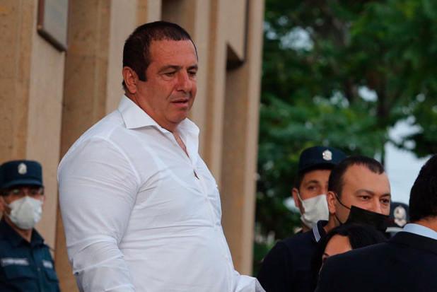 Հայաստանում ձերբակալել են «Բարգավաճ Հայաստան» կուսակցության առաջնորդ Գագիկ Ծառուկյանին