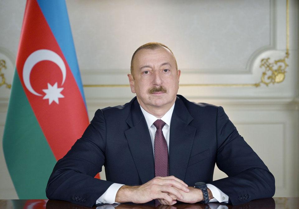 ილჰამ ალიევი ბაქოში რუსეთის თავდაცვის მინისტრს შეხვდა