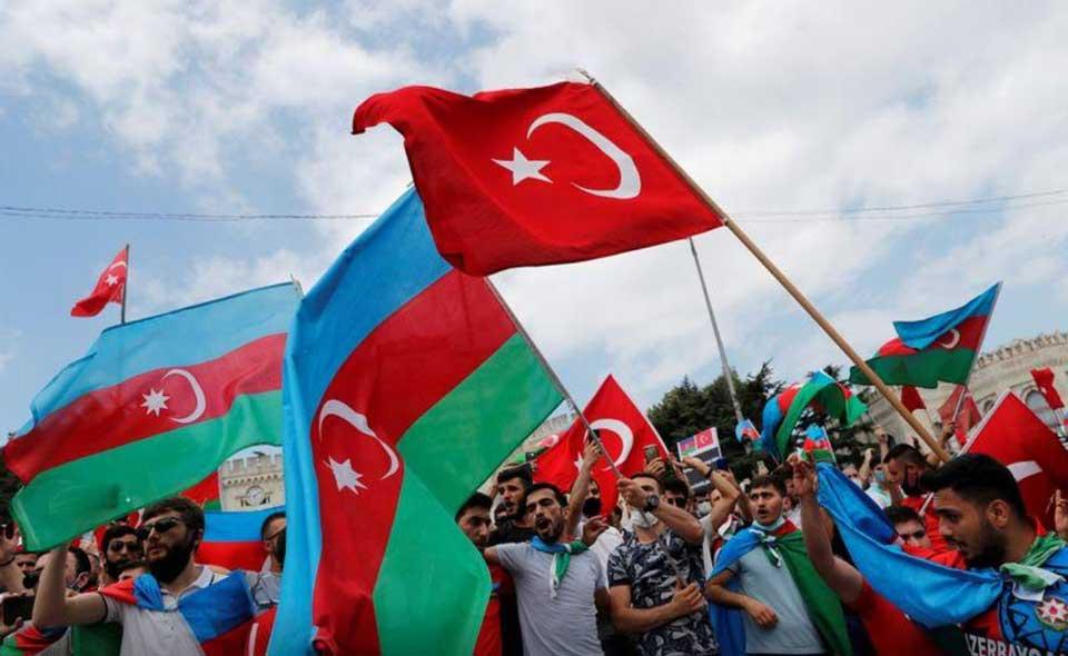 საერთაშორისო მედია იუწყება, რომ თურქეთი აზერბაიჯანის დასახმარებლად სირიელ მებრძოლებს აგზავნის, აზერბაიჯანში ინფორმაციას უარყოფენ