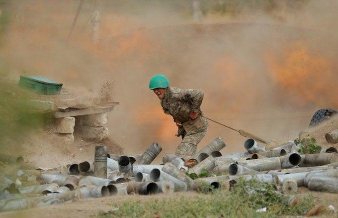 არაღიარებული მთიანი ყარაბაღის თავდაცვის უწყების ინფორმაციით, გასული დღე-ღამის განმავლობაში აზერბაიჯანის არმიის 500-ზე მეტი ჯარისკაცია დაღუპული