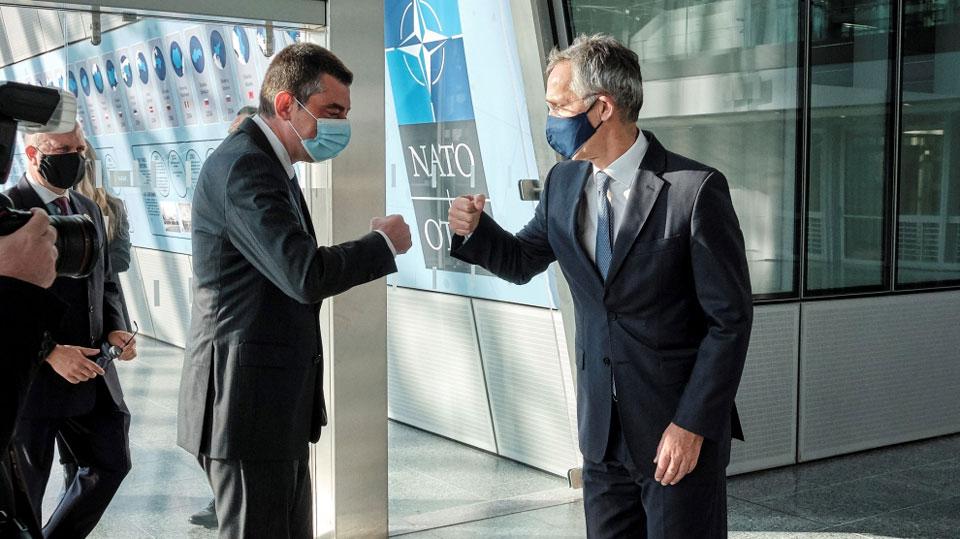 НАТО aнaпхгaҩы Қырҭтәылa Аҧызa-министр иaхь - «Алиaнс aлaлaрaзы шәҽaзыҟaшәҵa» - aбaс aхьӡуп Emerging Europe aҿы икьыҧхьыз aстaтиa