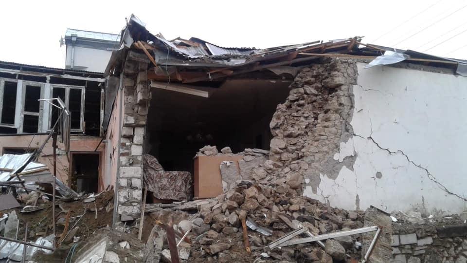 Հայաստանի իշխանությունների տեղեկությամբ, անցած գիշեր Ադրբեջանի բանակը հրթիռակոծել է Ստեփանակերտը