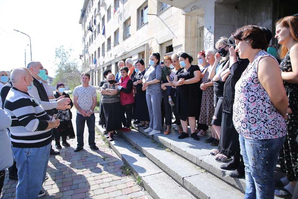 ქუთაისში, ნგრევად შენობებში მცხოვრებ დევნილ ოჯახებს 274 ბინა გადაეცემათ
