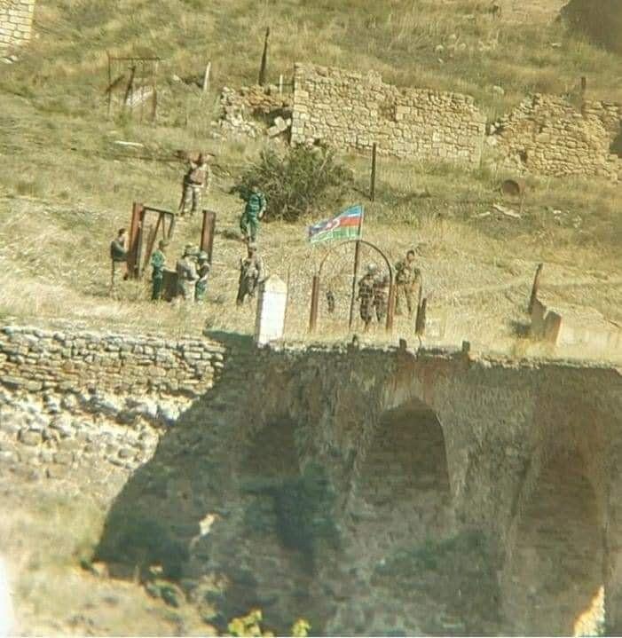 ილჰამ ალიევის განცხადებით, აზერბაიჯანელმა სამხედროებმა ხუდაფერინის ხიდზე აზერბაიჯანის დროშა აღმართეს