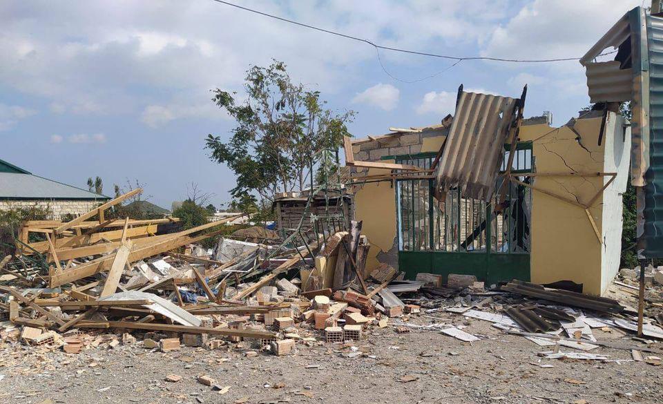 აზერბაიჯანის ხელისუფლება სომხეთის არმიას ტერტერისა და აღჯაბედის რაიონებში მშვიდობიანი მოსახლეობის დაბომბვაში ადანაშაულებს