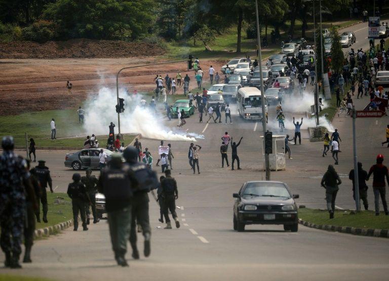 მედიის ცნობით, ნიგერიაში სამხედროებმა დემონსტრანტებს ცეცხლი გაუხსნეს