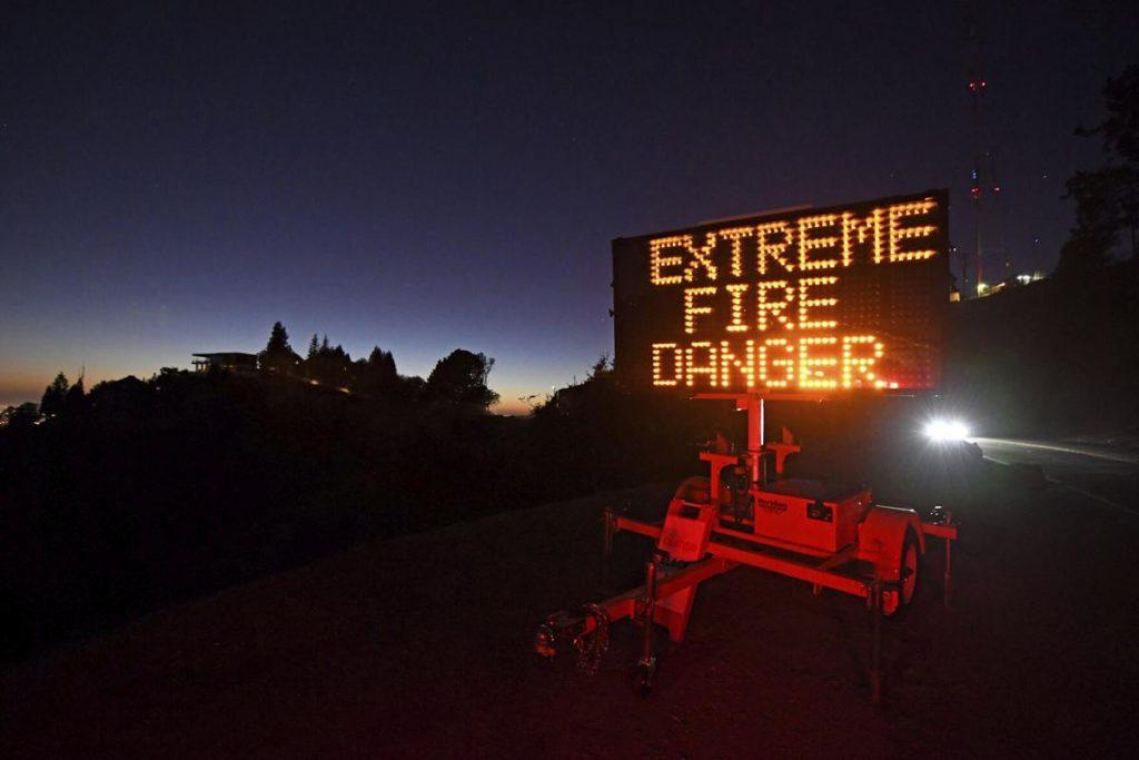კალიფორნიაში ხანძრის გამო, 100 ათასი ადამიანის ევაკუაცია იგეგმება