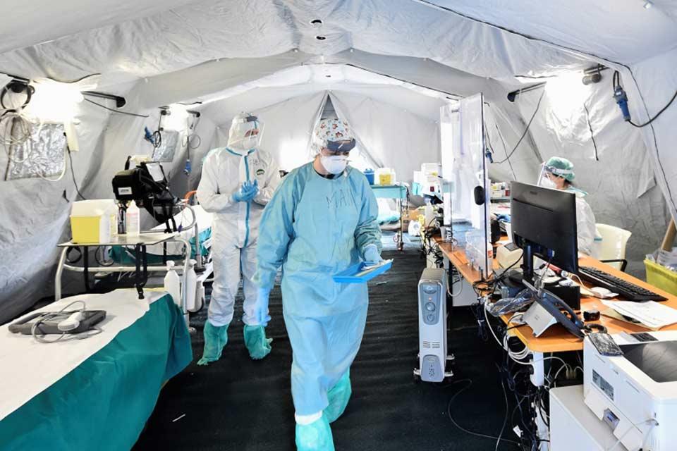 Almaniyada koronavirusun 11 409 yeni halı aşkar edildi